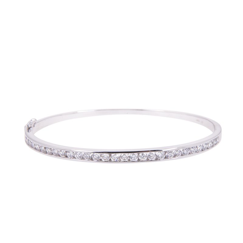 brilliant cut diamonds mounted in an 18ct white gold channel set bangle
