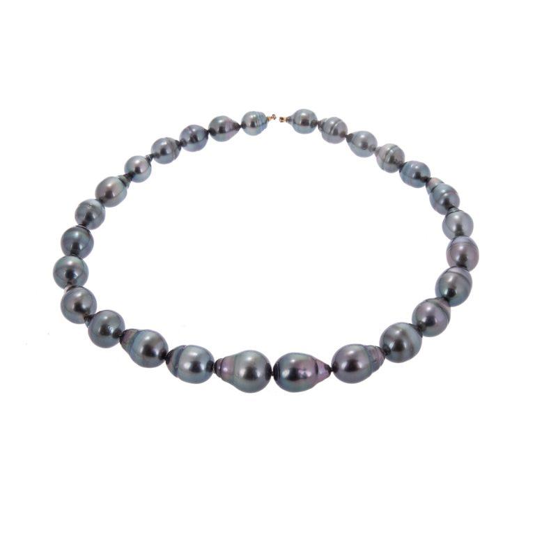 graduated black pearl necklet