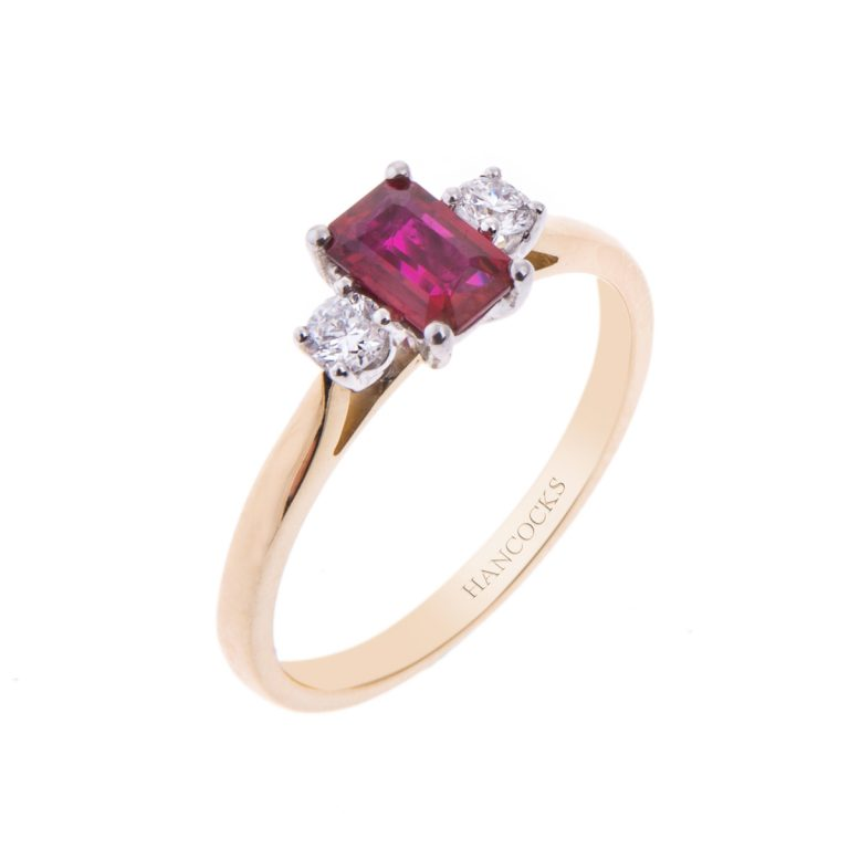 18ct gold ruby and diamond 3 stone ring HC131117 8