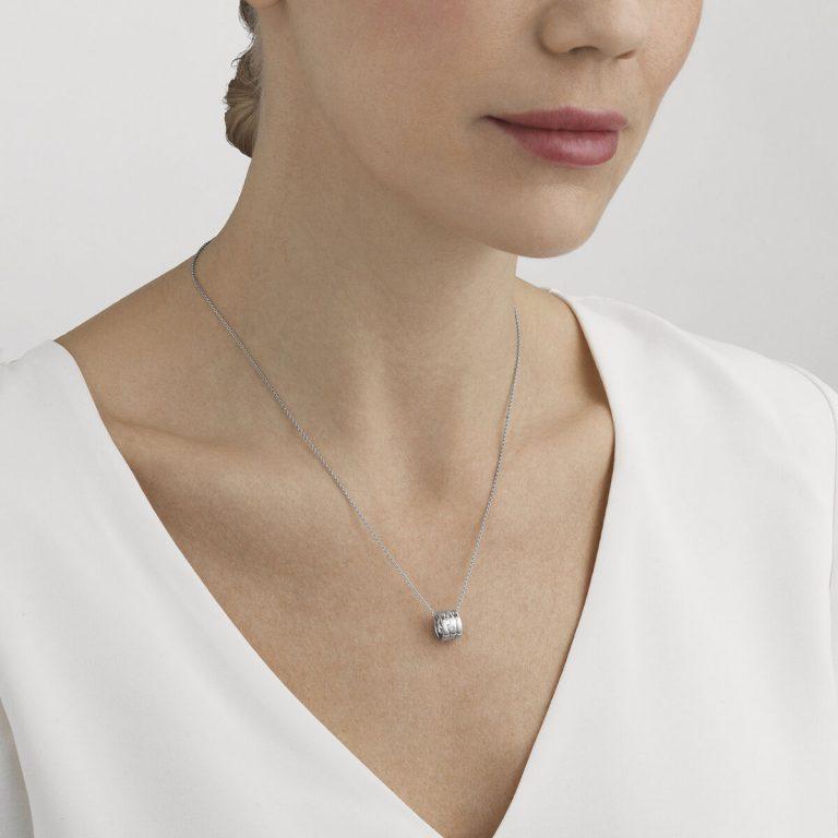 OnModel__10016420 FUSION pendant diamond wite gold