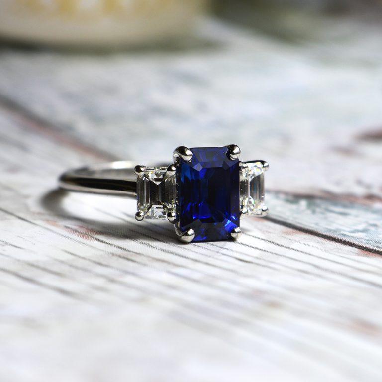 Platinum sapphire and Diamond 3-Stone Ring