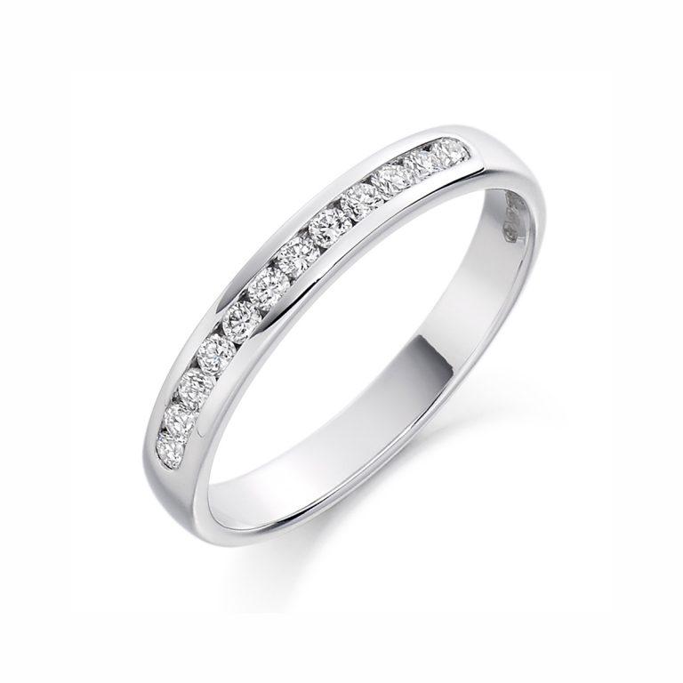 diamond-set-wedding-ring-in-platinum