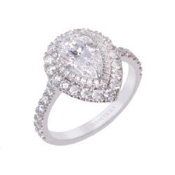 d-colour-pear-cut-diamond-cluster-ring