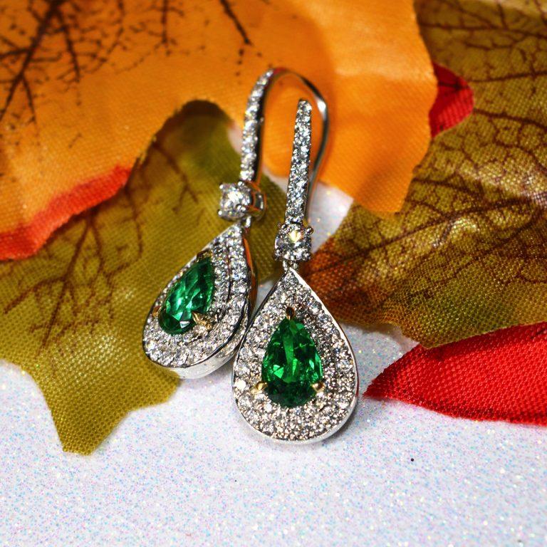emeral pear cut diamond earrings