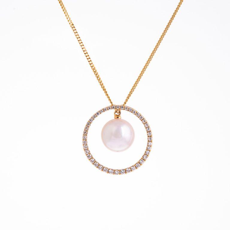 pearl-and-diamond-pendant