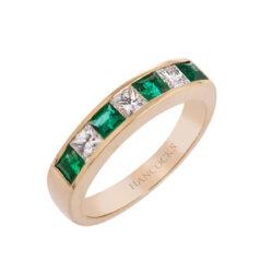 emerald-and-princess-cut-diamond-ring