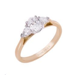 oval-cut-diamond-ring