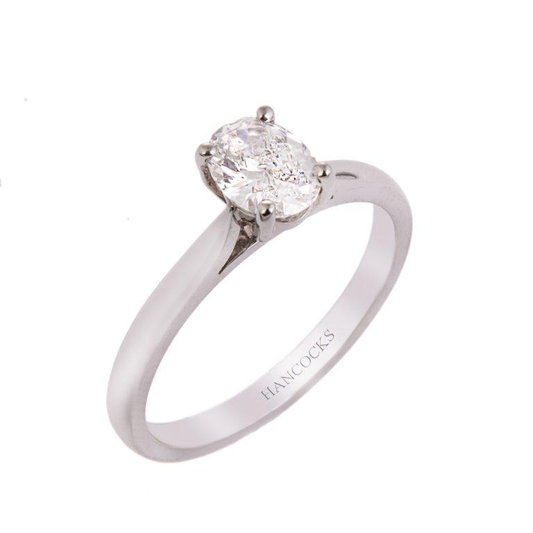 f-colour-oval-cut-diamond-ring
