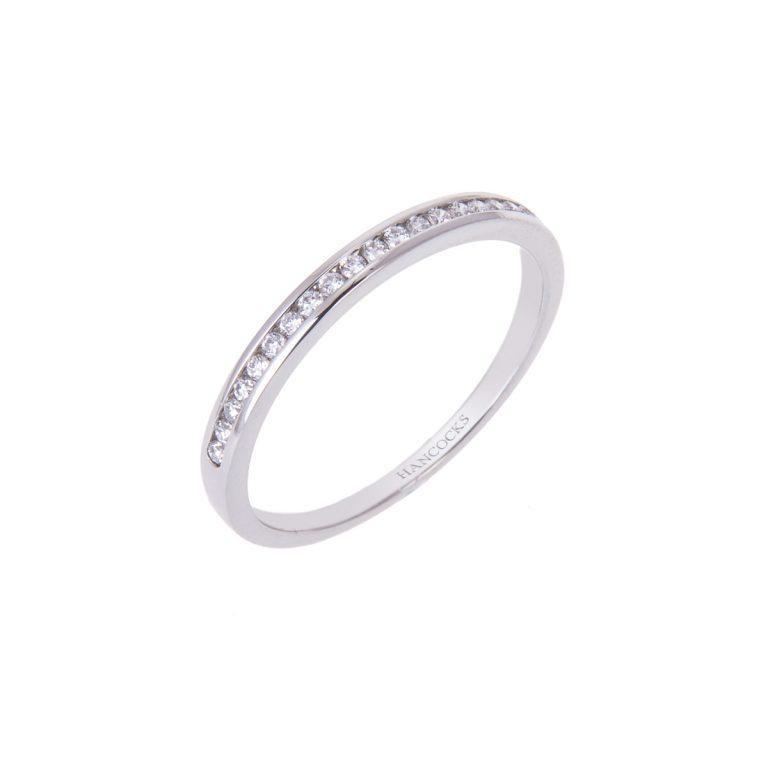 Ladies Fine Diamond Wedding Ring in Platinum