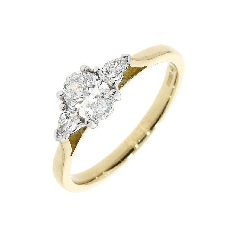 Oval Cut Diamond 3-Stone in Yellow Gold
