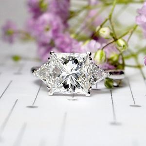 30 457 Princess Cut Diamond 3 Stone Ring Copy