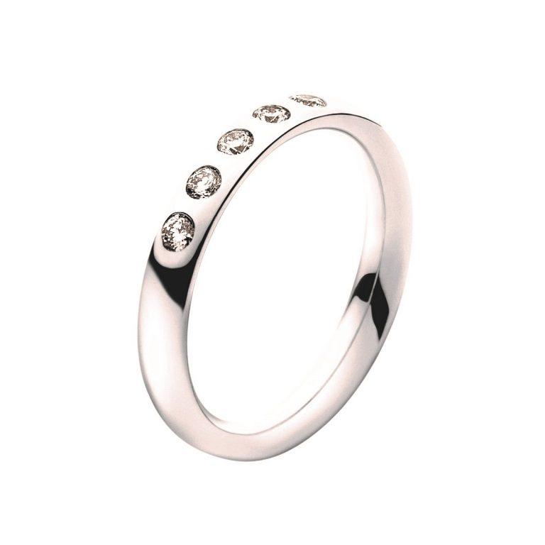 18 carat white gold diamond set Magic ring centre