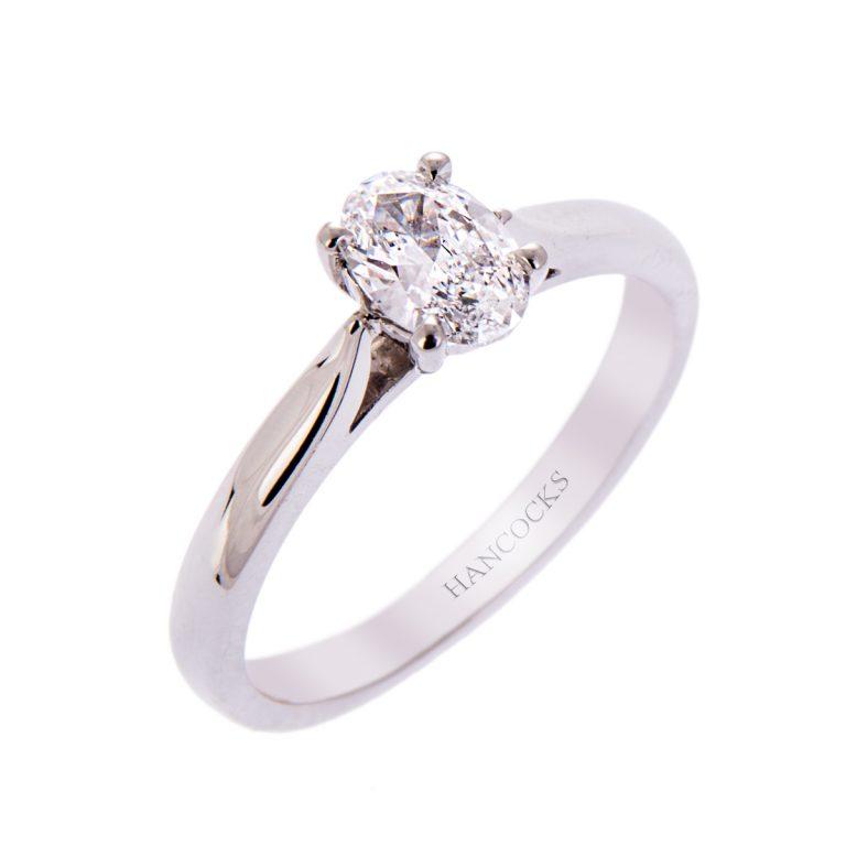 H140920 27 oval diamond 0.50ct platinum ring