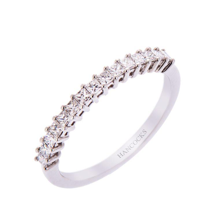 H140920 34 ladies platinum diamond set wedding ring