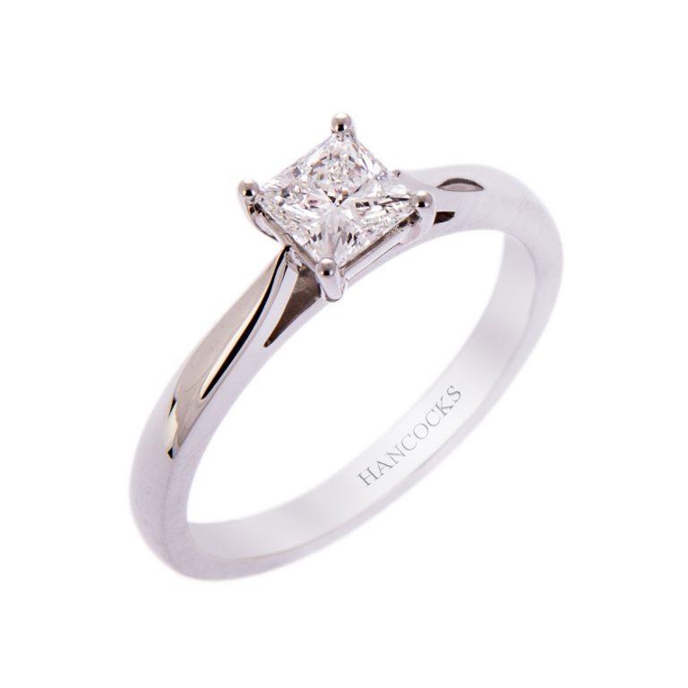 H140920 5 princess cut diamond ring