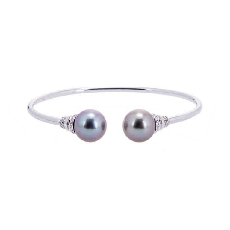 H1910 14  18ct white gold tahitian pearl and diamond bangle