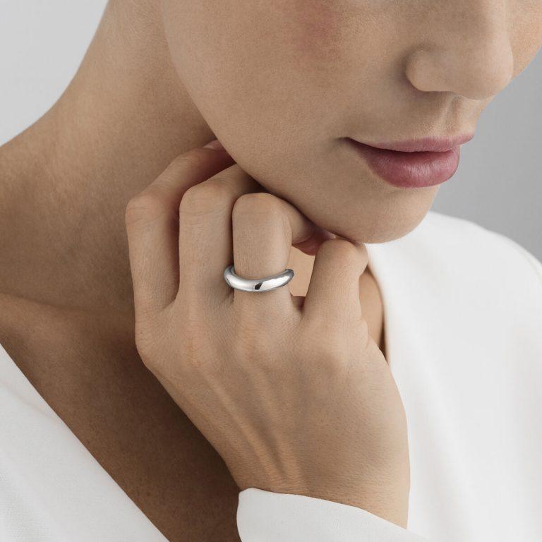 OnModel__10013245 OFFSPRING ring sterling silver