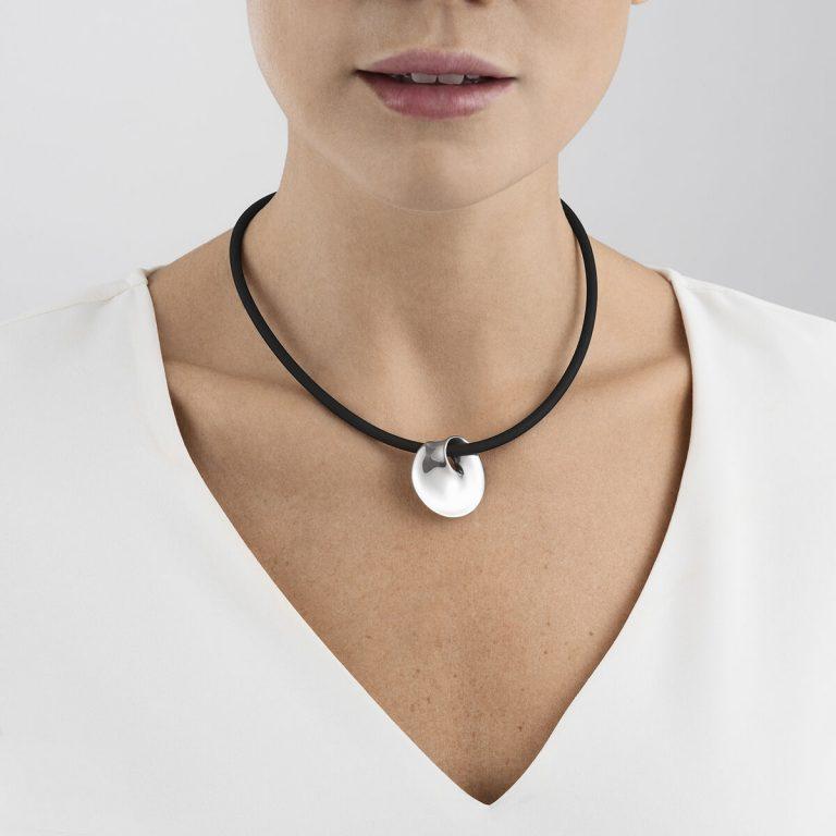 OnModel__3536032 MÖBIUS pendant sterling silver