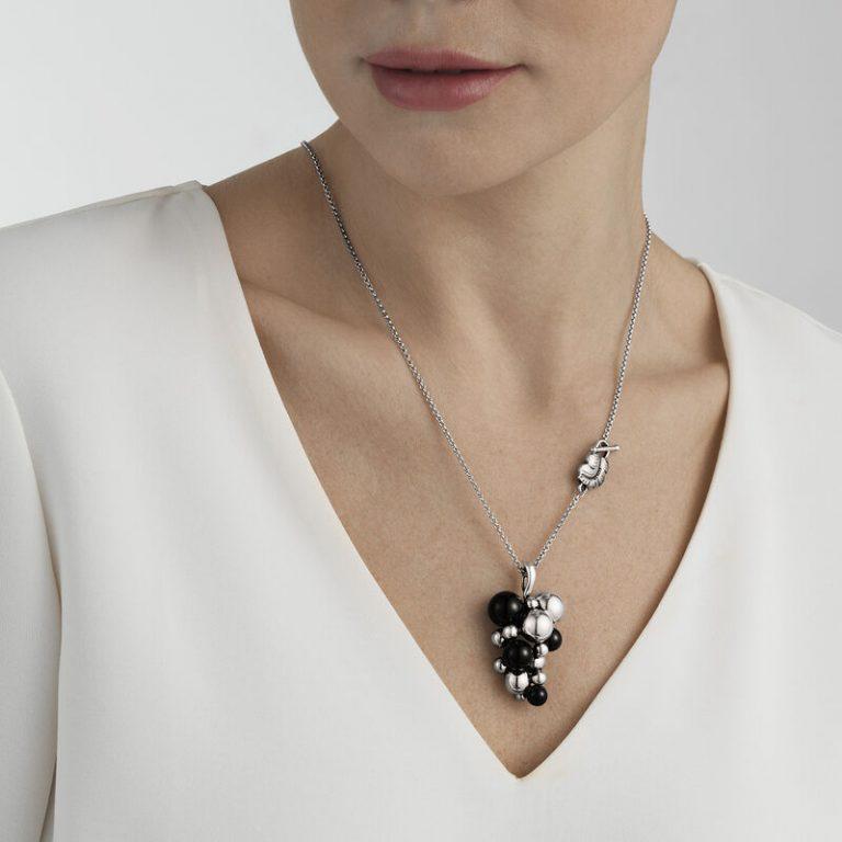 OnModel__3536314 GRAPE pendant silver oxidised 90 cm black
