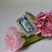 18ct-white-gold-aquamarine-and-diamond-cluster-ring