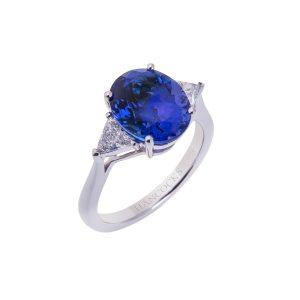 oval-tanzanite-and-diamond-platinum-3-stone-ring
