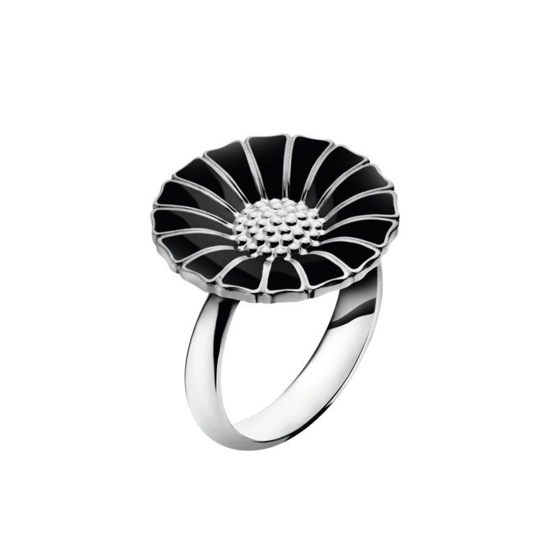 black daisy ring