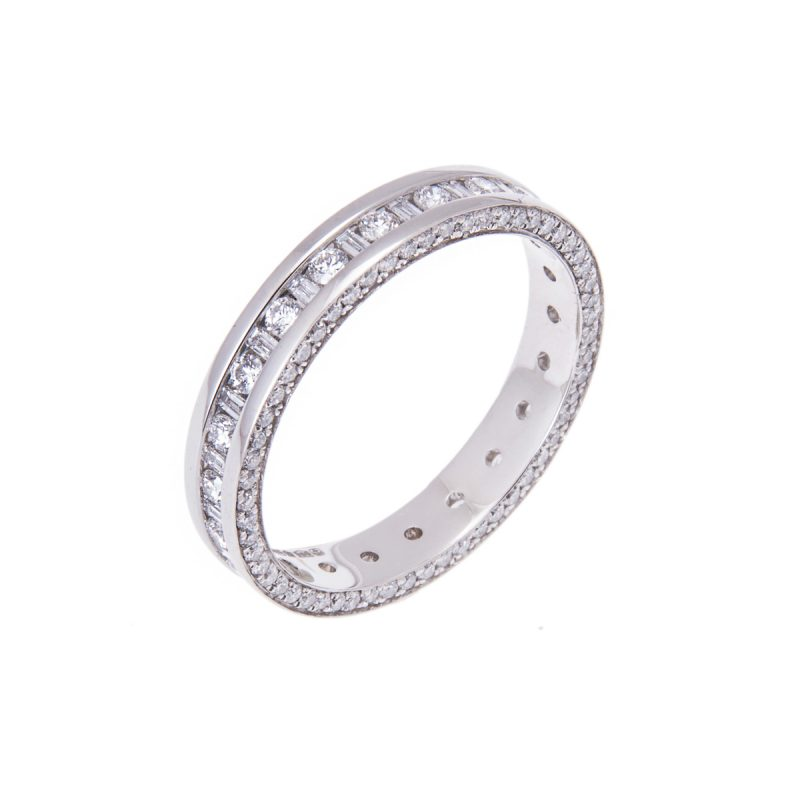 platinum-diamond-set-wedding-ring