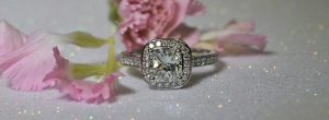 cushion-cut-diamond-ring-with-diamond-shoulders