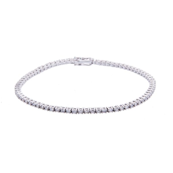 brilliant-cut-diamond-claw-set-bracelet