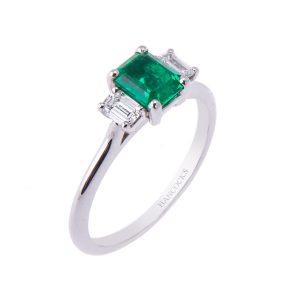 platinum-emerald-cut-diamond-3-stone-ring