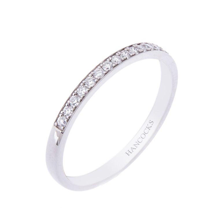 fine ladies platinum wedding ring H1200 67