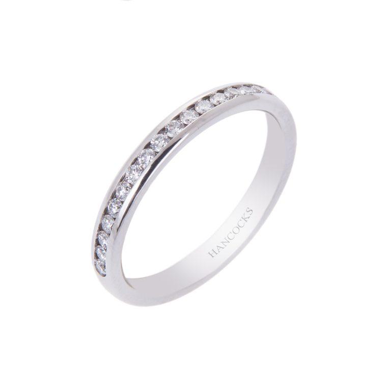 fine platinum diamond wedding ring for her H1910 84