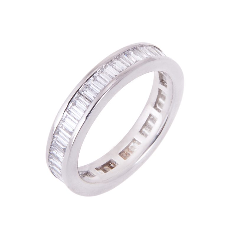 channel-set-baguette-cut-diamond-band