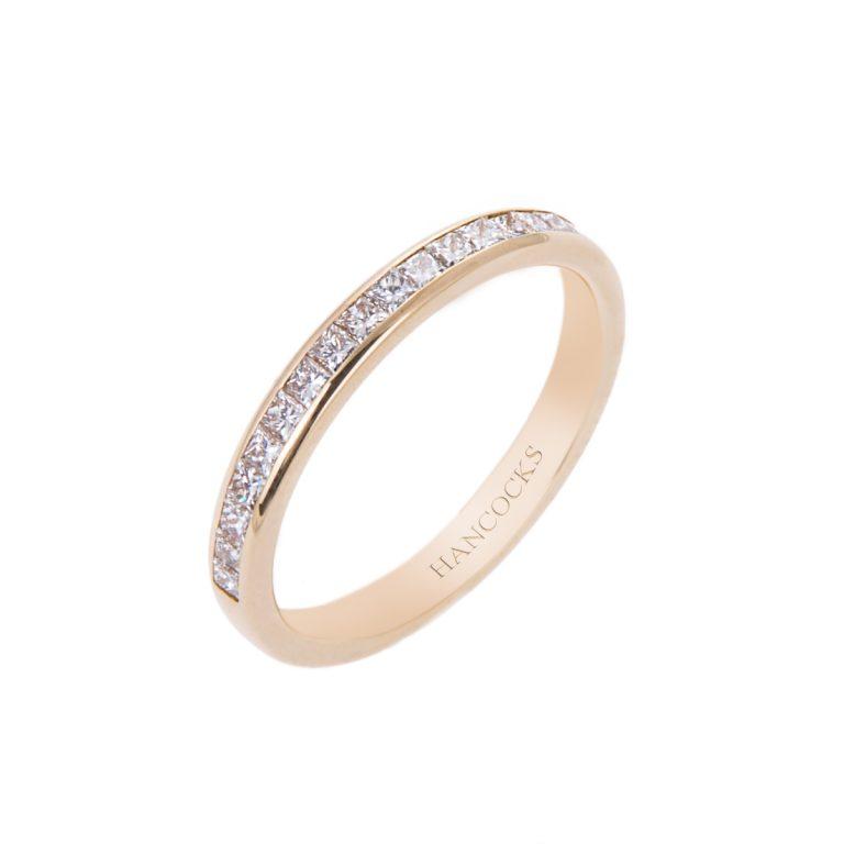 ladies diamond set weddding ring