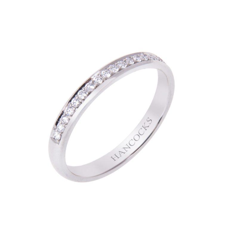 ladies-paltinum-diamond-set-wedding-ring
