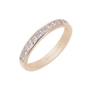 ladies diamond set ring