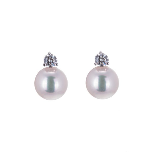 white-gold-pearl-and-brilliant-cut-diamond-earrings