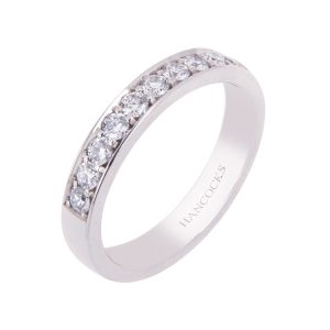 grain-set-ladies-diamond-set-wedding-ring