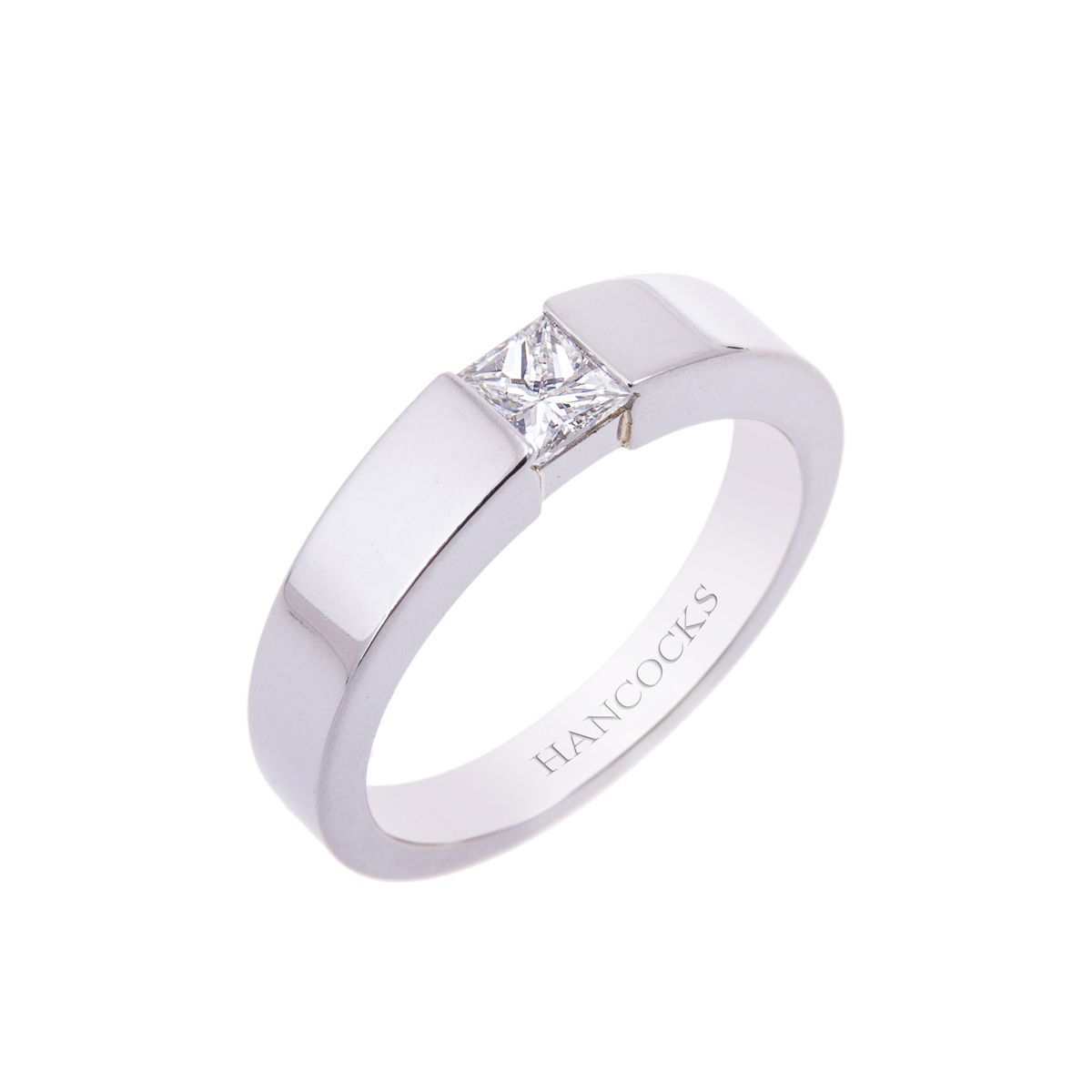 gents-princess-cut-diamond-set-band-in-platinum