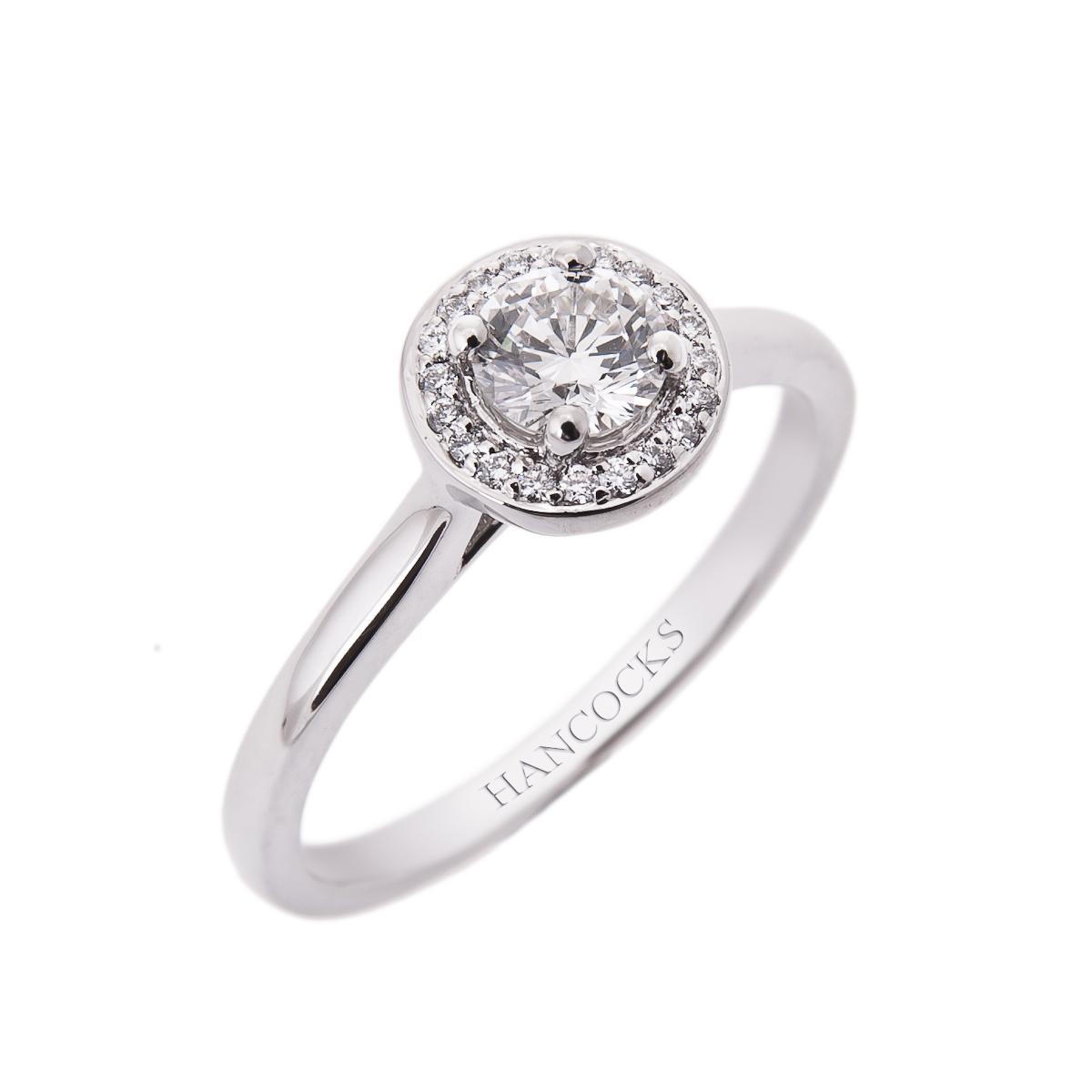 halo-set-cluster-engagement-ring