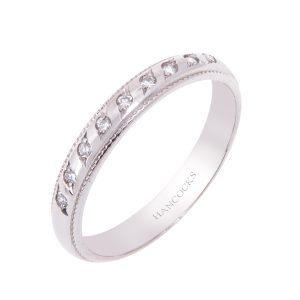 diamond set ladies platinum d shaped wedding ring