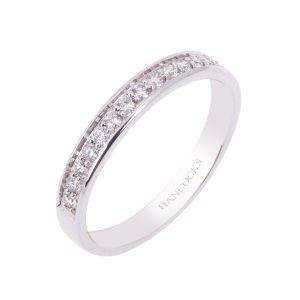 brilliant-cut-diamond-set-wedding-ring