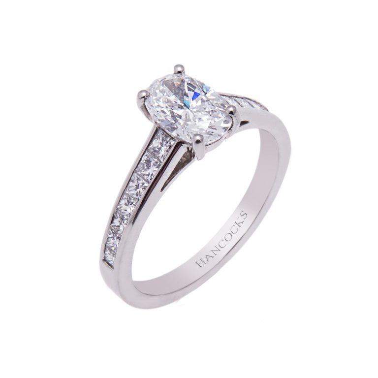 1.06ct-oval-diamond-with-diamond-set-shoulders
