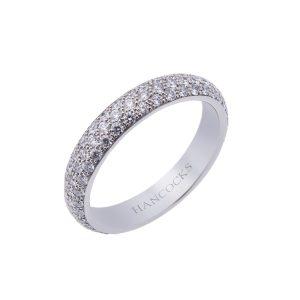 brilliant-cut-diamond-pave-set-ring