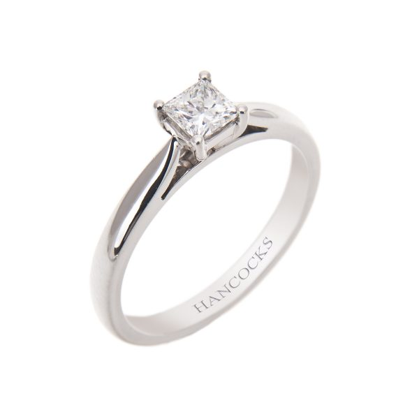 platinum 4-claw set princess cut diamond single stone ring