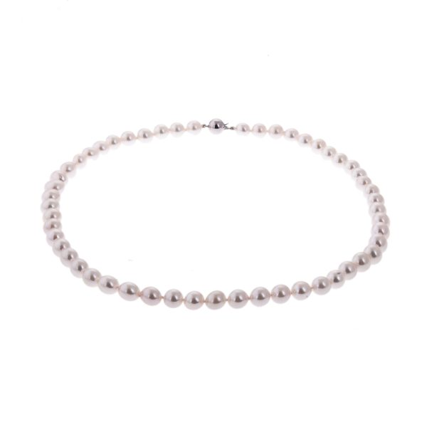 pearl necklace with white gold clasp